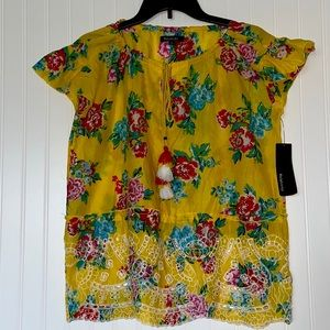 Relativity Yellow Floral Eyelet Peplem Top Medium